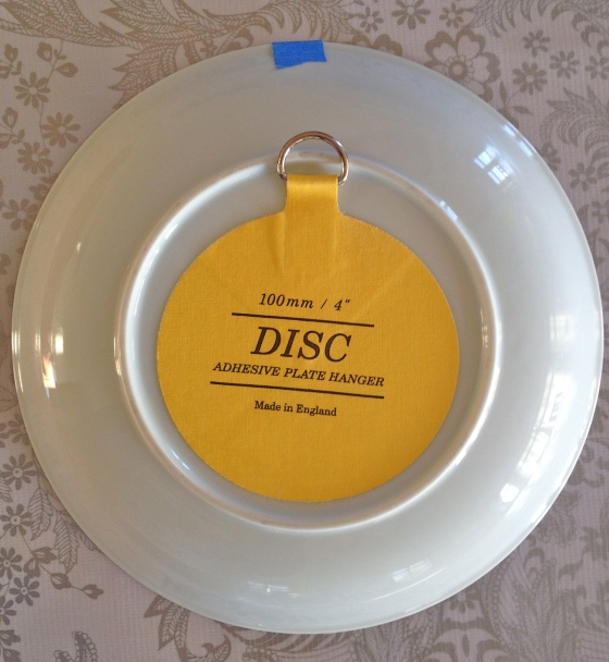 disc hanger on plate