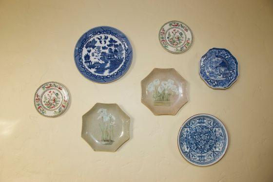 plates close-up