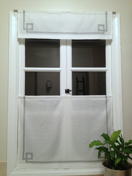 tutorial for adding ribbon to window shades by Jewels at Home