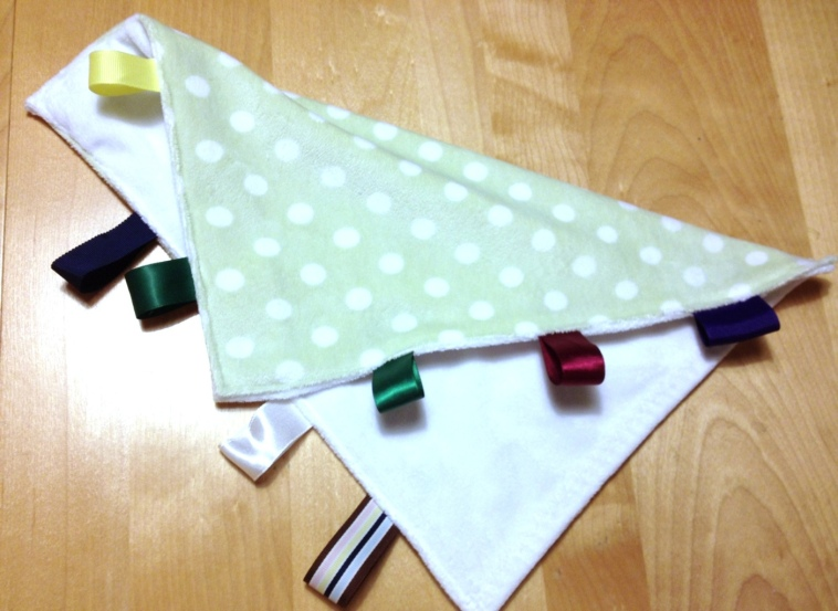 DIY lovey blanket with taggies by Jewels at Home