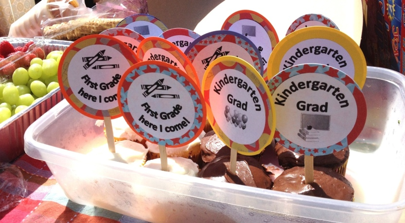 Cupcakes with Kindergarten graduation toppers by Jewels at Home