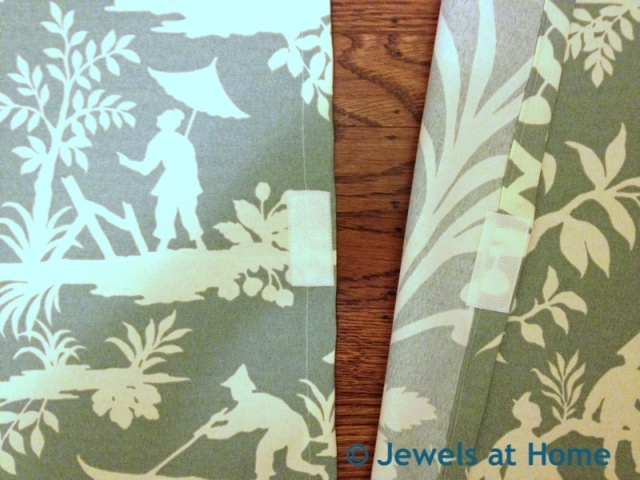 Tutorial for simple decorative pillows.  From Jewels at Home.