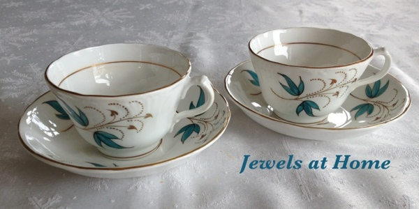 Beautiful vintage tea cups.
