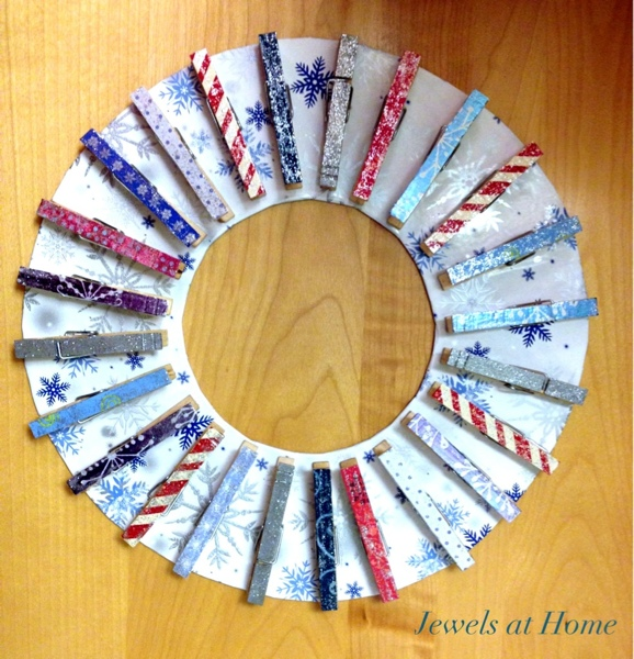 Clothespin wreath for Christmas makes a lovely advent calendar or card display {Jewels at Home}
