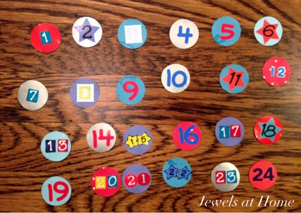 Numbers for a clothespin advent calendar {Jewels at Home}