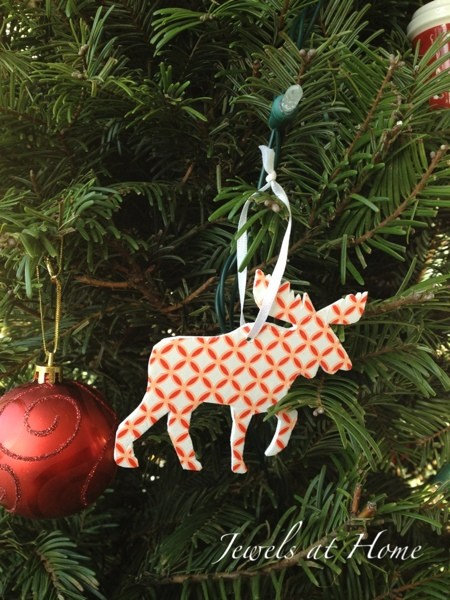 Moose silhouette ornament.  O Canada! {Jewels at Home}