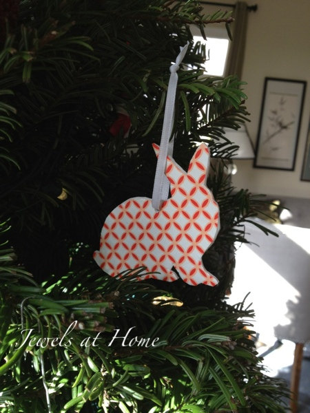 Bunny silhouette ornament with instructions. {Jewels at Home}