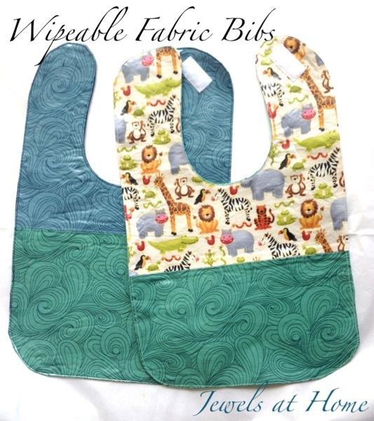 Wipeable baby bib tutorial | Jewels at Home
