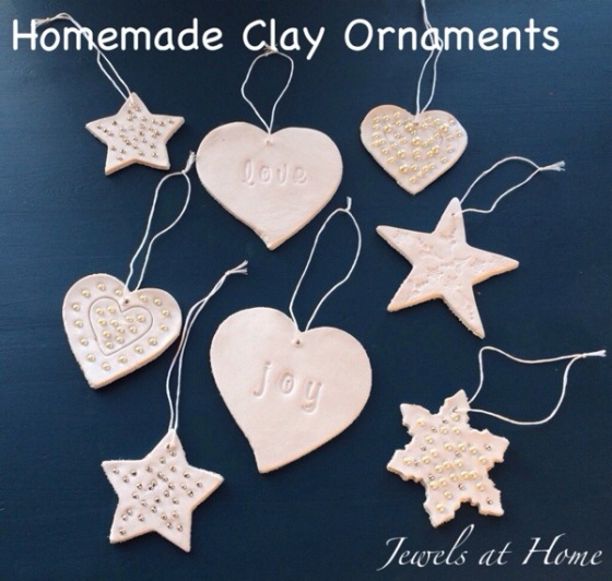Decorating for a white Christmas.  DIY ornaments and more ideas | Jewels at Home