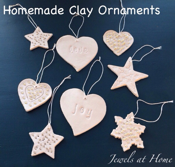 Christmas ornaments to make with the kids.  These are simple and beautiful!  Jewels at Home