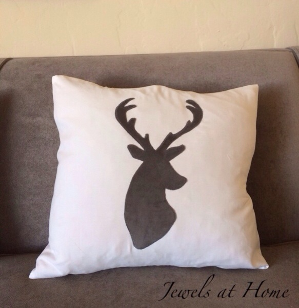 Reindeer pillows in a simple white and gray color scheme for Christmas and the whole winter | Jewels at Home