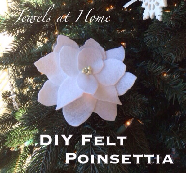 DIY felt poinsettia Christmas decorations to use as ornaments, gift toppers, or around the house | Jewels at Home