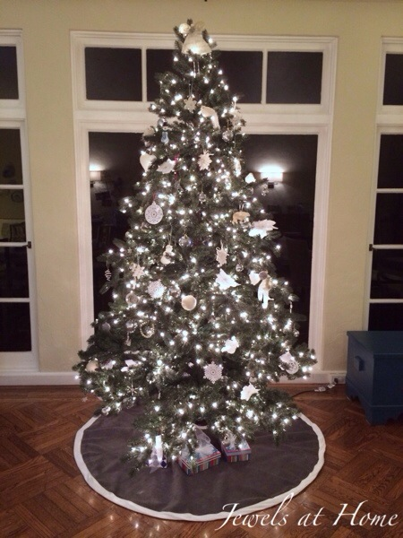 Christmas tree with all-white ornaments.  Link to DIY ornament ideas to trim your tree.  Jewels at Home