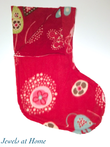 Pattern for Easy Custom Fleece Christmas Stockings | Jewels at Home