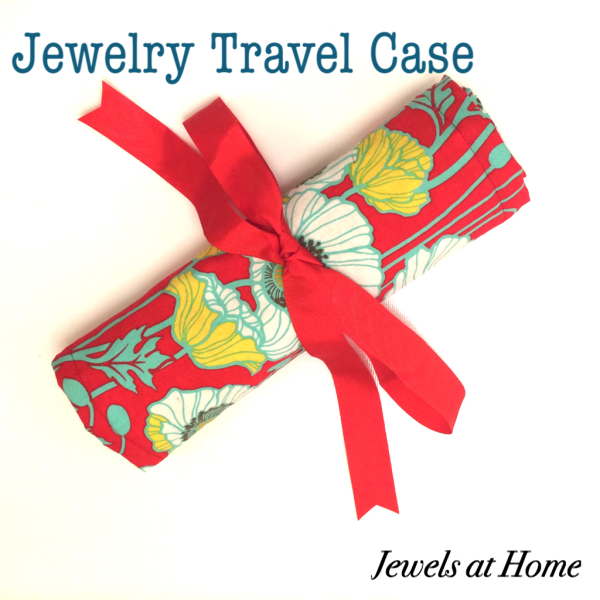 Sew a travel jewelry case | Jewels at Home