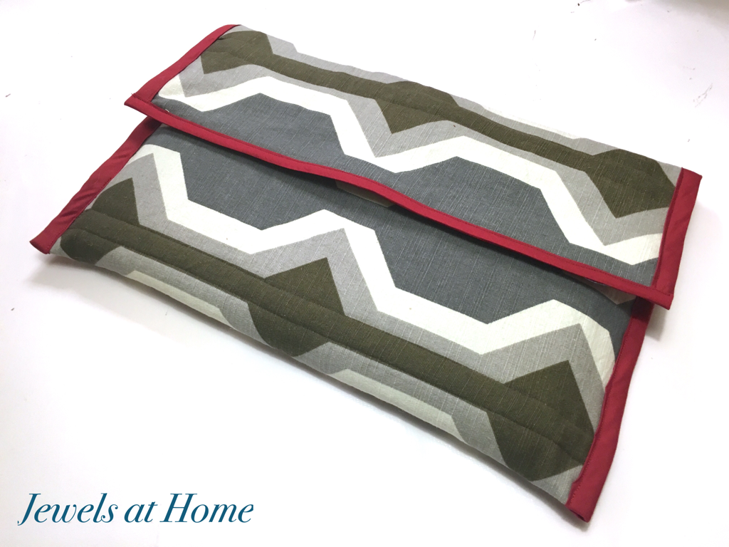 DIY Padded Laptop Sleeve in Modern Graphic Fabric | Jewels at Home